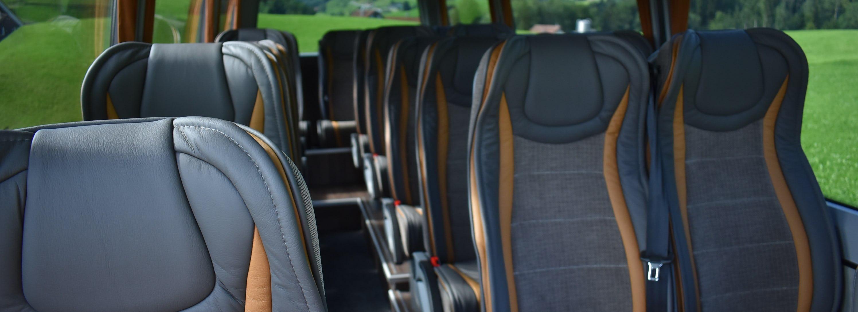 19 Plätzer Mercedes-Benz Sprinter 519 LUXUS Innen Tag