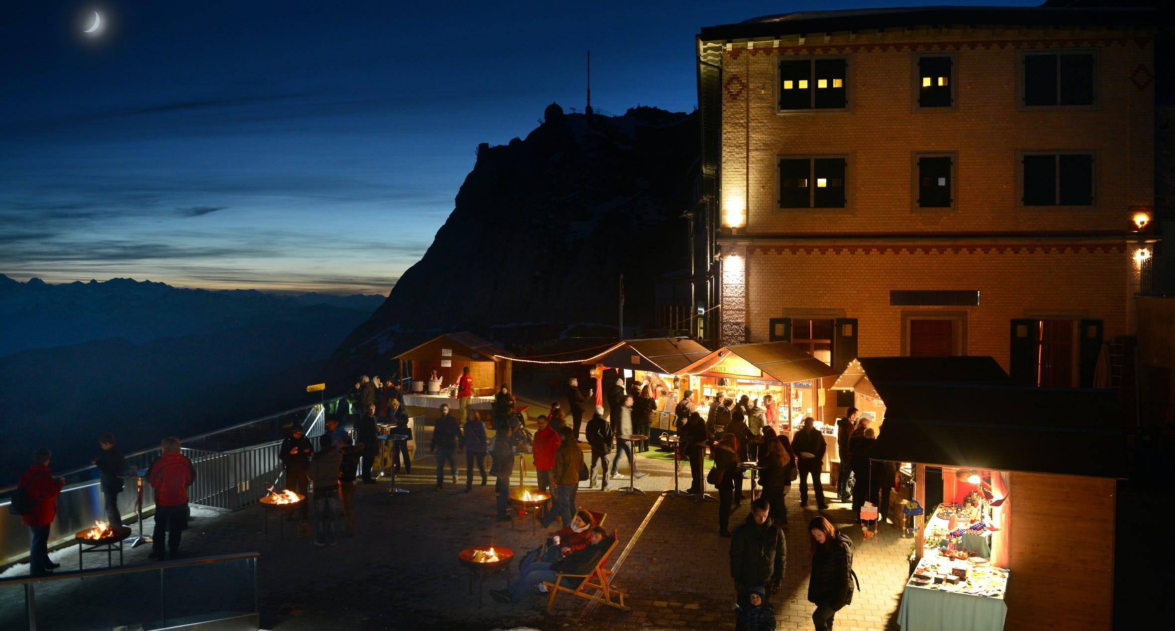 Pilatus Weihnachtsmarkt Terrasse Ramsauer Carreisen